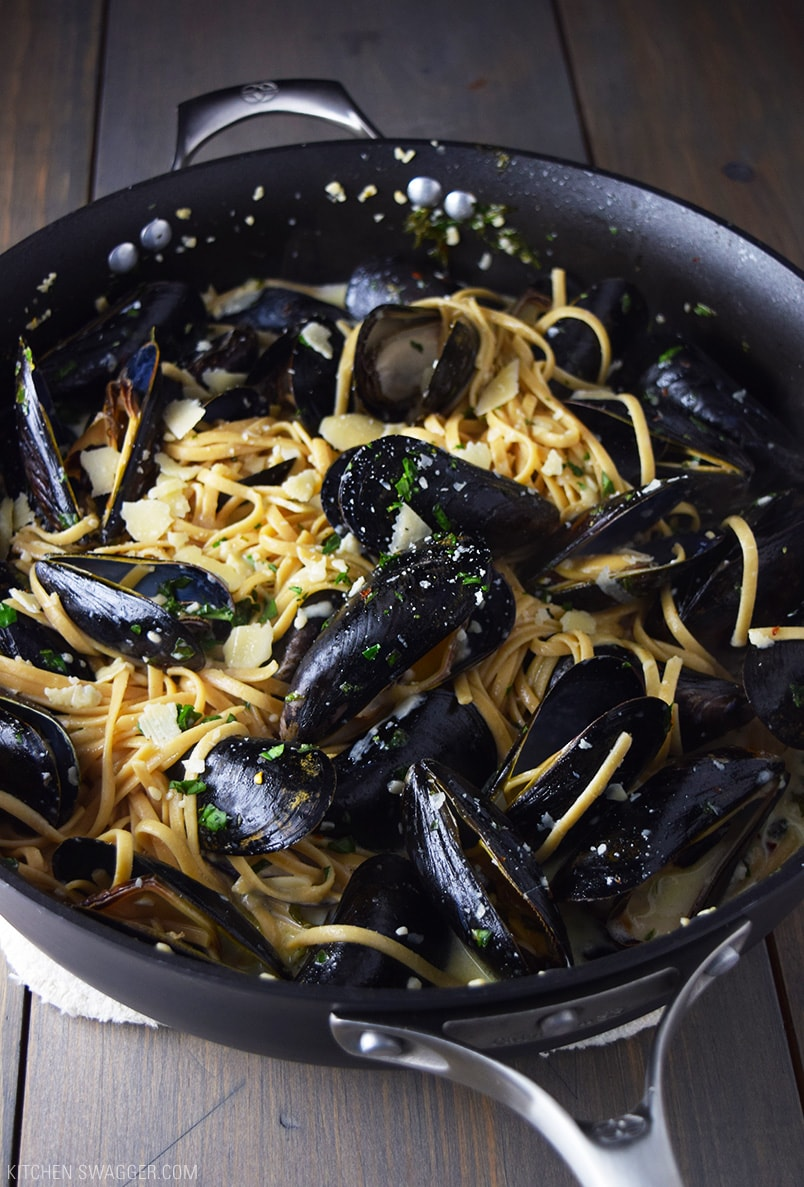 Mussels over Linguine with Garlic Butter Wine Sauce Recipe - The perfect creamy white wine pasta sauce