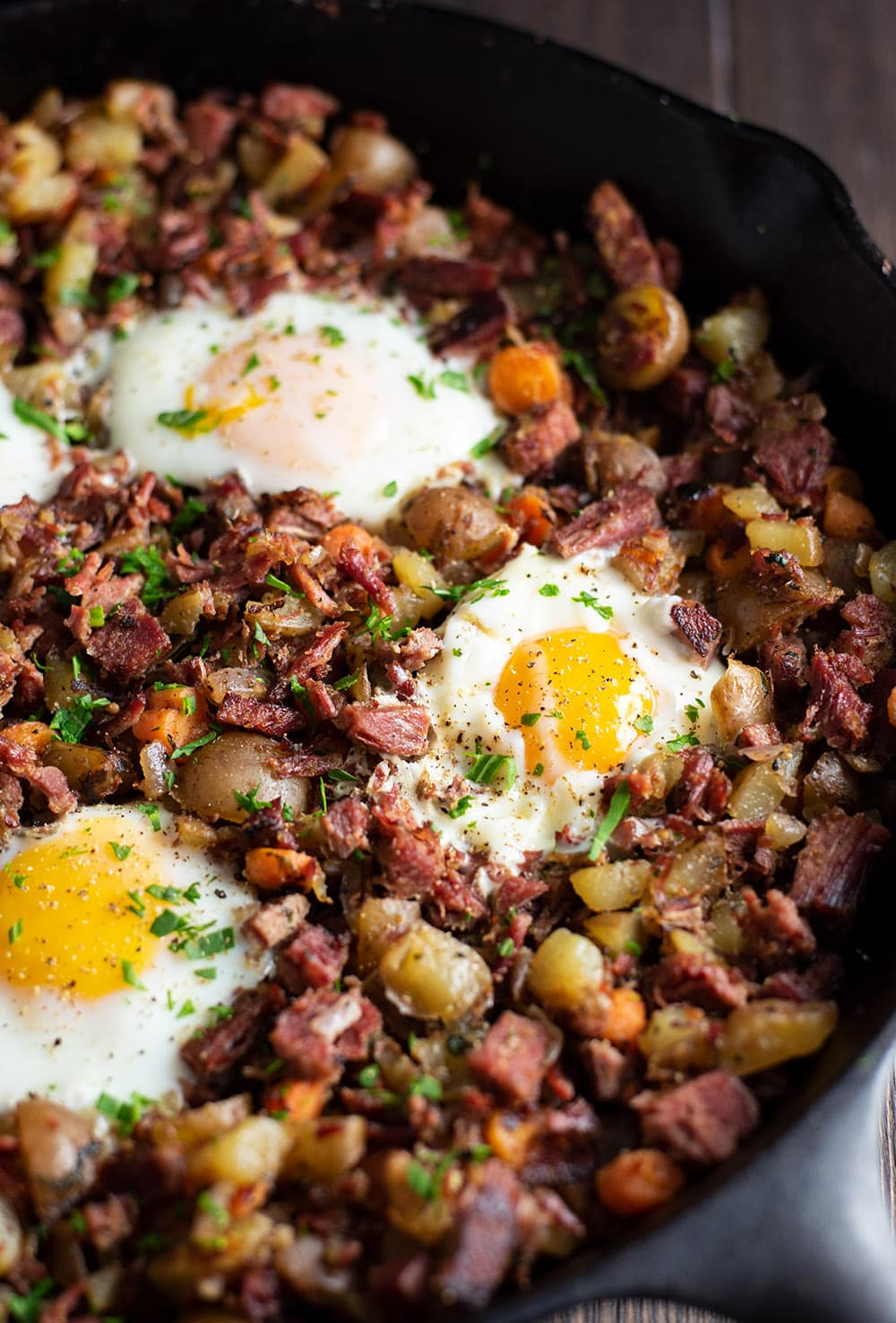 Corned Beef Hash And Eggs Recipe Kitchen Swagger