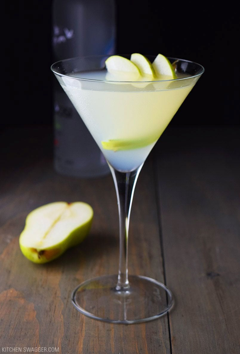 Pear and elderflower martini recipe kitchen swagger for Easy shot recipes with vodka