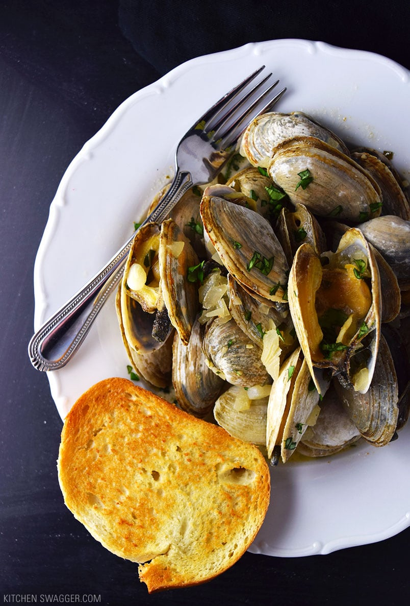 Steamed Clams in Creamy Beer Sauce Recipe