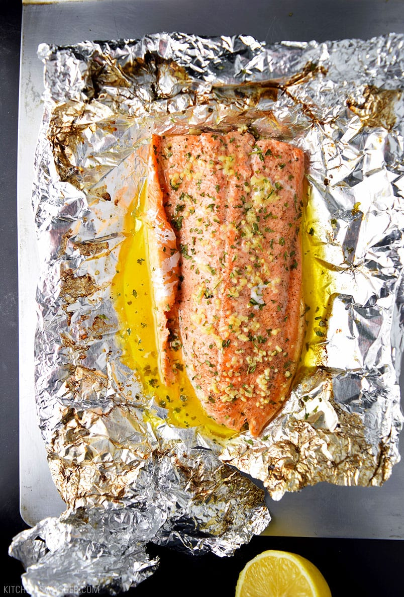 Garlic butter steelhead trout in foil recipe kitchen swagger for Fish in foil in oven