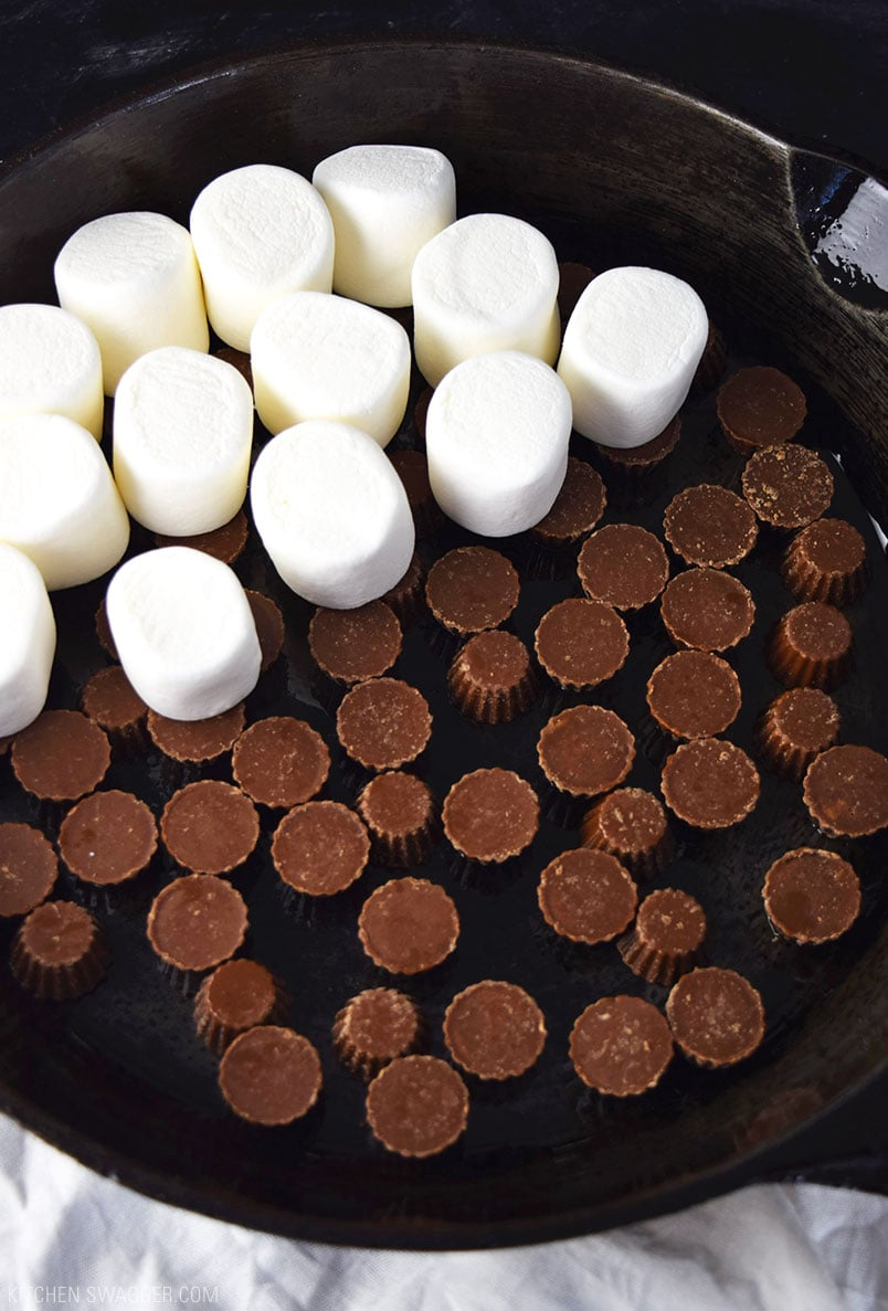 How to make the perfect skillet Reese's s'mores dip