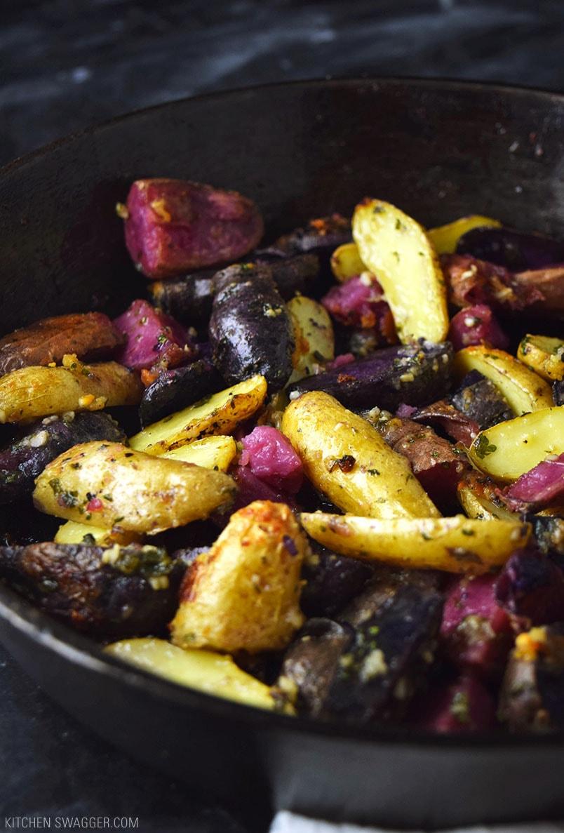 Garlic And Parmesan Fingerling Potatoes Recipe Kitchen Swagger