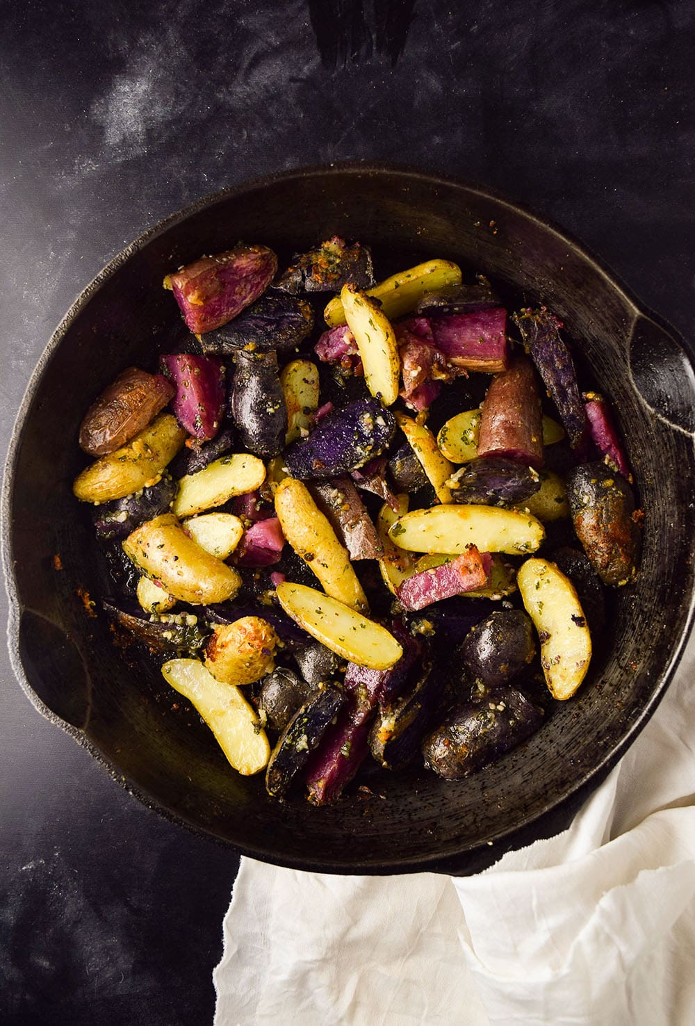 Roasted Fingerling Potatoes With Garlic and Parmesan Recipe