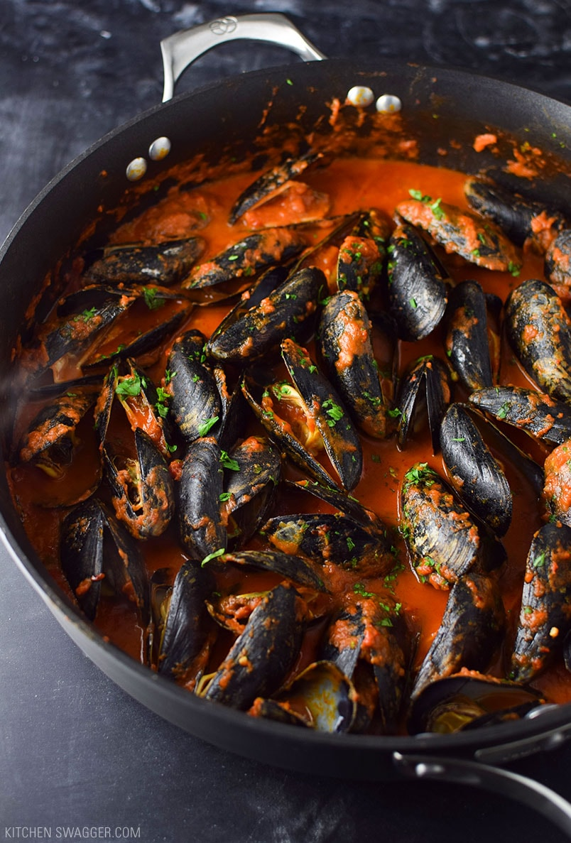 Mussels in Spicy Red Arrabbiata Sauce