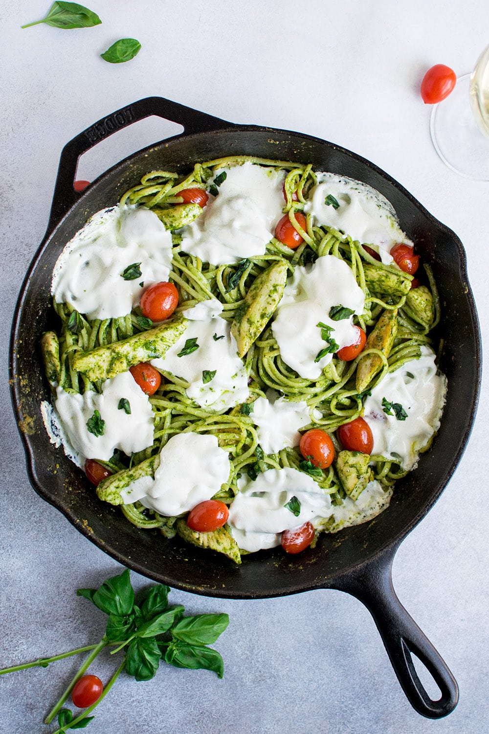 Chicken Pesto Pasta with Mozzarella Recipe