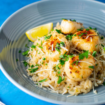 "<span class=""entry-title-primary"">Lemon Butter Scallops Over Parmesan Risotto Recipe</span> <span class=""entry-subtitle"">Simple lemon butter scallops served over delicious Parmesan risotto.</span>"